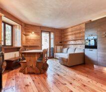 modern living, chalet style apartment accommodation, ski sauze d'oulx