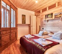 bedroom view, besson, clotes apartment sauze d'Oulx, ski holidays, accommodation
