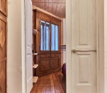 Besson, clotes entrance, ski apartment holidays in Sauze d'Oulx