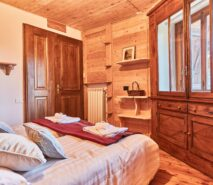 Bedroom view, Clotes, Besson apartments for apartment holidays in Sauze d'Oulx