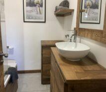 modern luxury, chalet style bathroom, apartment Casa della Mamma, Sauze d'Oulx ski holidays
