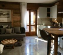 Apartment Casa della Mamma, modern, chalet - style central ski holiday apartment in Sauze d'Oulx