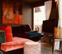 Chalet Clotes, snug, luxury apartment accommodation ski in ski out sauze d'Oulx