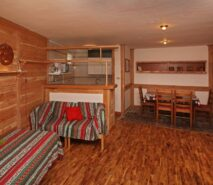 Living dining view Besson apartment 3 central Sauze d'Oulx apartment holiday accommodation ski