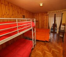 Bedroom view Besson apartment 6 central Sauze d'Oulx apartment holiday accommodation ski