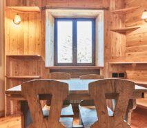 modern dining, chalet style apartment accommodation, ski sauze d'oulx