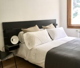 Modern bedroom of ski holiday apartment Belvedere in Sauze d'Oulx