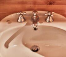 Sink view, Clotes, Besson, apartment holidays ski sauze d'Oulx