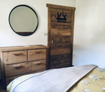 Bedroom, modern luxury and comfort in Chalet style Casa della Figlia, ski holiday apartment central Sauze d'Oulx