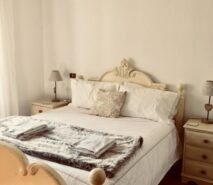 modern luxury and comfort in Chalet style Casa della Nonna, ski holiday apartment central Sauze d'Oulx