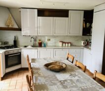 New kitchen - modern luxury and comfort in Chalet style Casa della Nonna, ski holiday apartment central Sauze d'Oulx