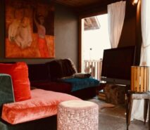 Chalet Clotes, snug, luxury apartment accommodation ski in ski out sauze d'Oulx