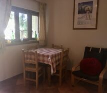 Dining area in apartment Biancaneve, ski holiday apartment in Sauze d'Oulx, Via Lattea